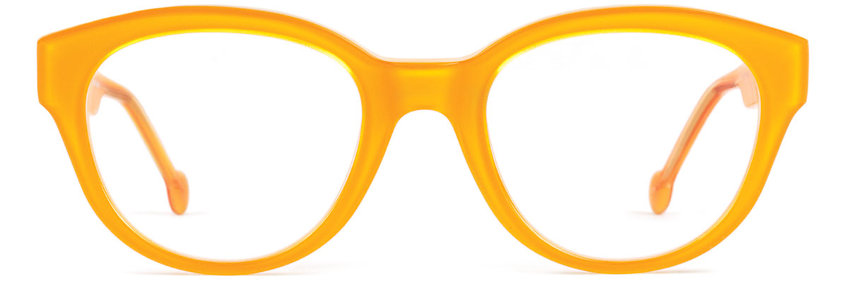 3bea87ab718 Eyewear as exclamation point  TOOTIE s bold